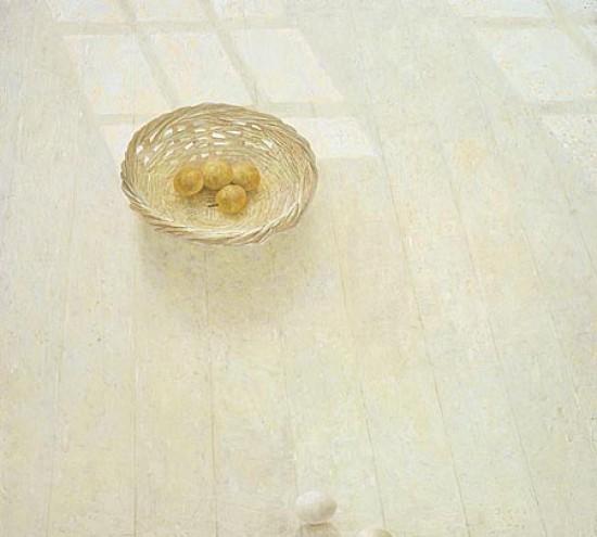 vloerstilleven met gele pruimen